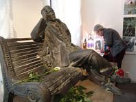 Памятнику Булгакову не нашли места на Патриарших прудах и отправили на Большую Пироговскую улицу