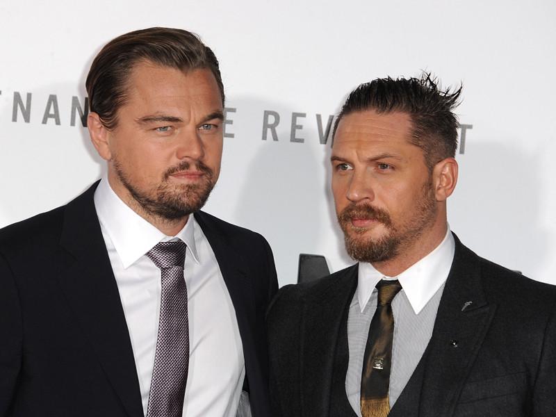 Британский актер Том Харди, проигравший пари своему американскому коллеге Леонардо Ди Каприо, должен сделать татуировку