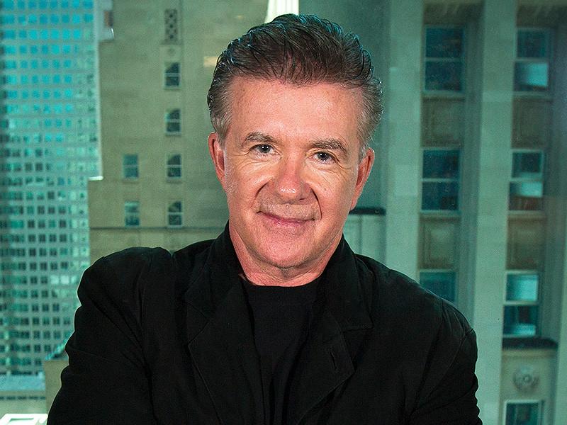 В США в возрасте 69 лет умер канадский актер и телеведущий Алан Тик, сообщает The Holywood Reporter. Артист скончался в Лос-Анджелесе (штат Калифорния) от сердечного приступа