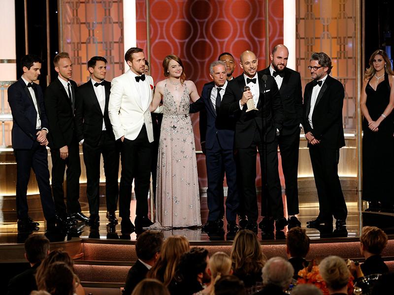 """Картина """"Ла-Ла Ленд"""" (La La Land) американского режиссера Дэмьена Шазелла получила """"Золотой глобус"""" в номинации """"Лучший комедийный фильм или мюзикл"""""""