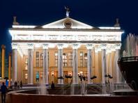 Новокузнецкий театр уволил артиста за мат на детском спектакле в Рождество