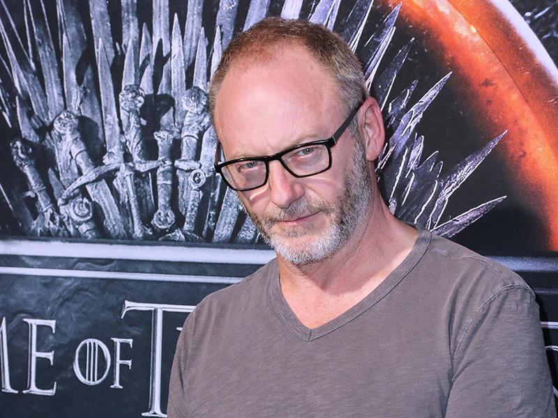Артист пояснил, что пока создатели сериала все еще снимают эпизоды седьмого сезона, однако работа над ними закончится в ближайшее время. После этого стартуют съемки заключительных серий проекта - всего эпизодов будет шесть, поведал Каннингем