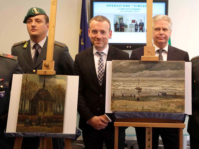 Италия вернет музею Ван Гога в Амстердаме две похищенные в 2002 году картины знаменитого художника, найденные у босса мафии