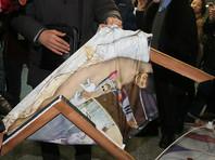 Портрет обнаженных экс-президента и ее подруги спровоцировал нападения на выставку в парламенте Южной Кореи