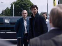 """В пятом сезоне """"Шерлока"""" у Майкрофта случится роман, а его брат отправится в Норвегию"""
