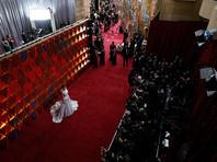 """Звезды кино прибывают в театр """"Долби"""", где вскоре начнется церемония вручения премии """"Оскар"""""""
