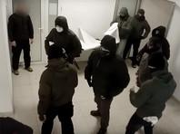 В Киеве неизвестные разгромили выставку, посвященную Евромайдану (ВИДЕО)