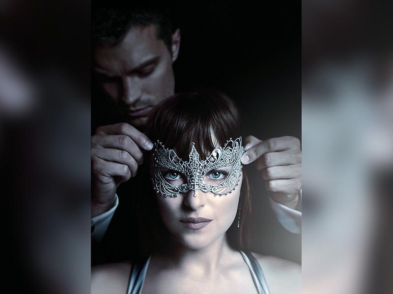 """Кинокомпания Universal Pictures International требует возобновить прокат своей эротической драмы """"На 50 оттенков темнее"""" во Владикавказе, где кинотеатры отказались показывать фильм, который """" не укладывается в сознании осетинского народа"""""""
