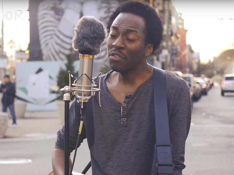 Музыкант Чейз Уинтерс стал проводником сибирского рока в нью-йоркском районе Бруклин и превратился в звезду Интернета