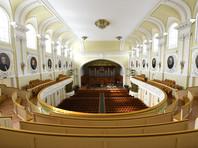 Сотрудникам музыкальных вузов обеих российских столиц не дают зарплату с начала года