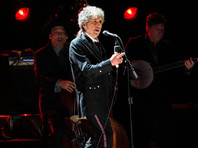 Боб Дилан наконец согласился принять Нобелевскую премию по литературе