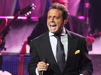 В США суд выдал ордер на арест латиноамериканского певца Луиса Мигеля