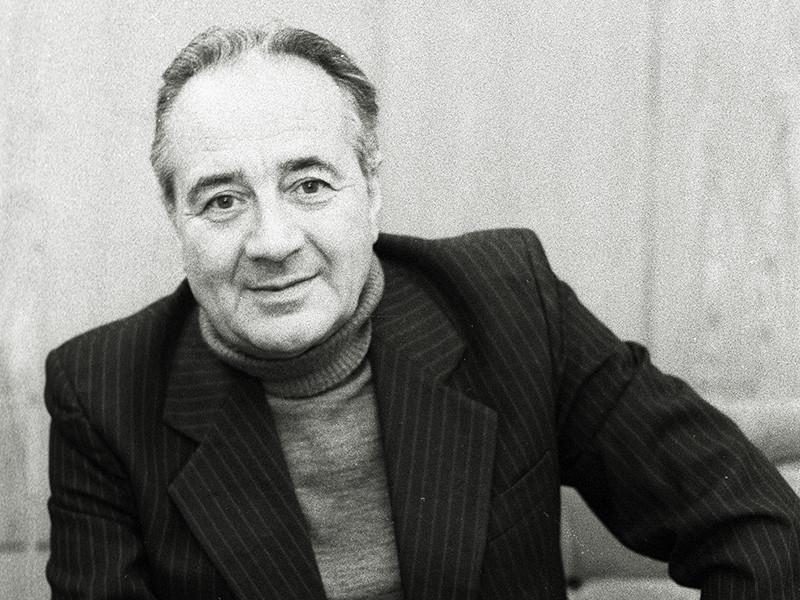 Детский писатель и драматург Анатолий Алексин скончался накануне в возрасте 92 лет в Люксембурге. О кончине литератора со ссылкой на его дочь сообщил на своей странице в Facebook писатель и журналист Дмитрий Лиханов