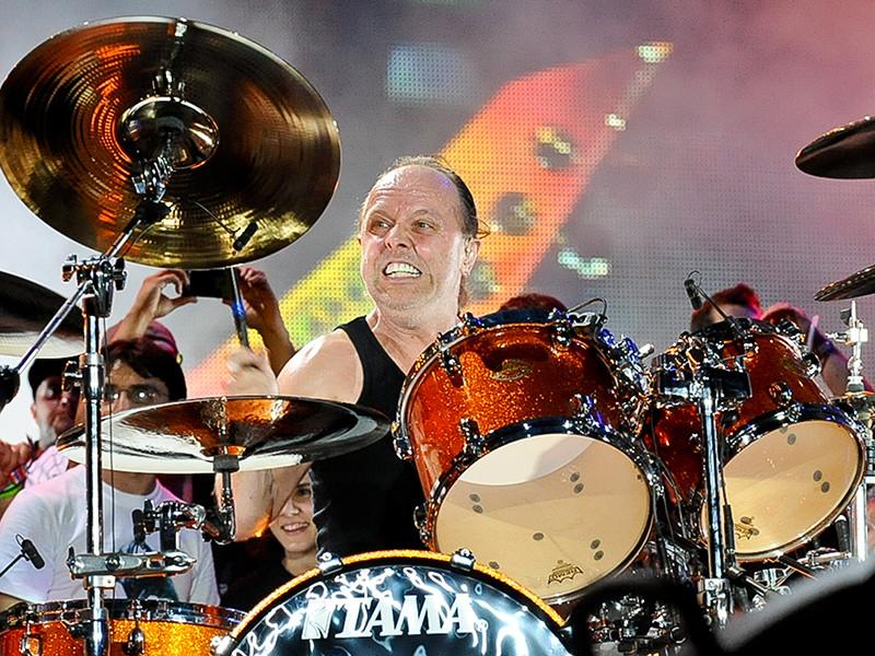 Барабанщик и один из основателей легендарной группы Metallica Ларс Ульрих, родившийся в датском городе Гентофте, удостоился титула рыцаря Дании, которым его лично наградил кронпринц Фредерик