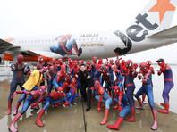 Авиакомпания Jetstar устроила перелет из Токио в Осаку пассажиров в костюмах  Человека-паука