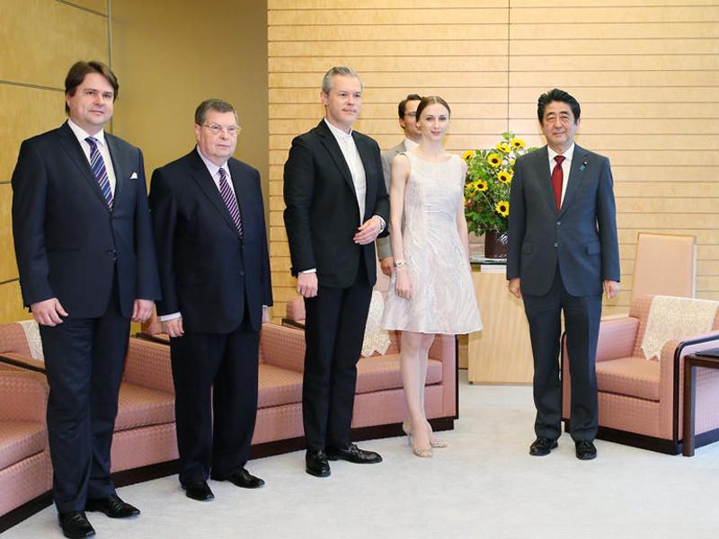 Премьер-министр Японии принял в Токио приму-балерину Большого театра Захарову и скрипача Репина