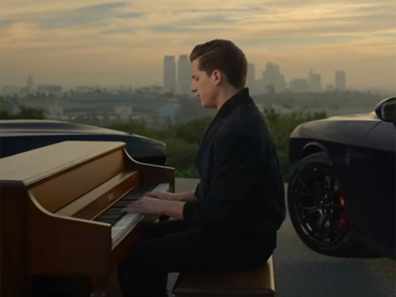 """Сентиментальная баллада See You Again на сегодняшний день набрала на видеосервисе 2 млрд 895 млн просмотров. Эта песня является частью официального саундтрека фильма """"Форсаж 7"""""""