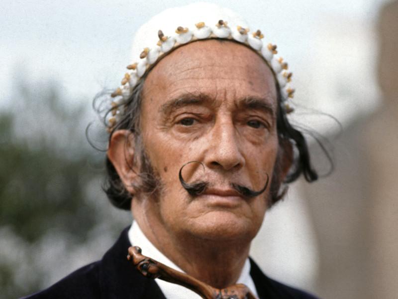 Знаменитые усы Сальвадора Дали остались нетленными, показала эксгумация