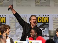 """Американский научно-фантастический сериал братьев Даффер """"Очень странные дела"""" будет продлен на третий и четвертый сезоны, а затем его, скорее всего, закроют. О таких перспективах сообщил Росс Даффер"""
