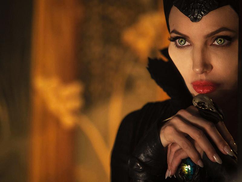 """Джоли согласилась сняться в сиквеле """"Малифисенты"""" из-за необходимости """"кормить семью"""""""