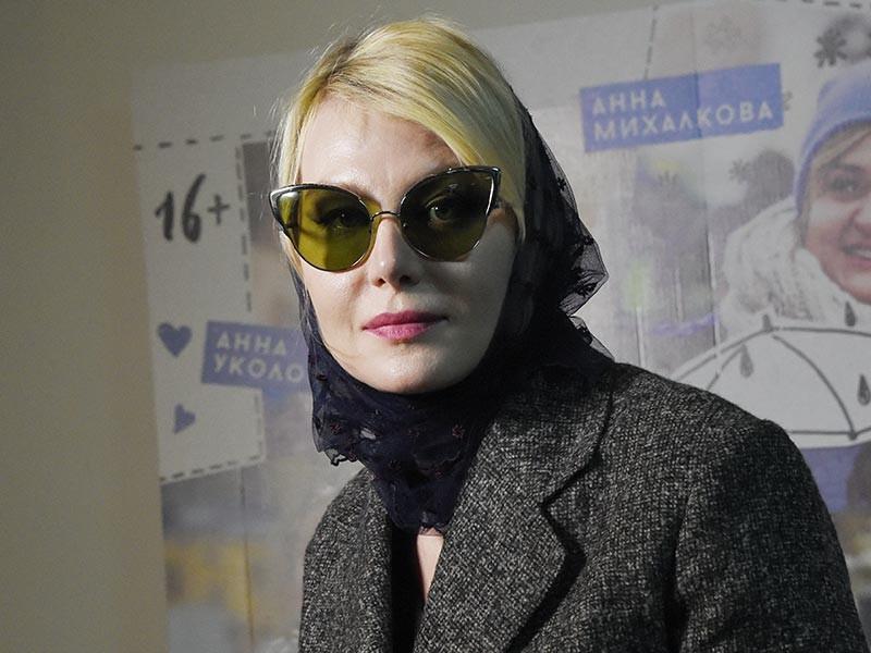 Актриса и режиссер Рената Литвинова возмутилась публикациями в СМИ о ее якобы состоявшейся в Швеции свадьбе с певицей Земфирой Рамазановой. Свое доброе имя Литвинова намерена отстаивать в суде