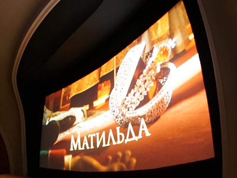 """Каждый второй россиян в той или иной степени в курсе скандала вокруг выхода в прокат фильма Алексея Учителя """"Матильда"""""""