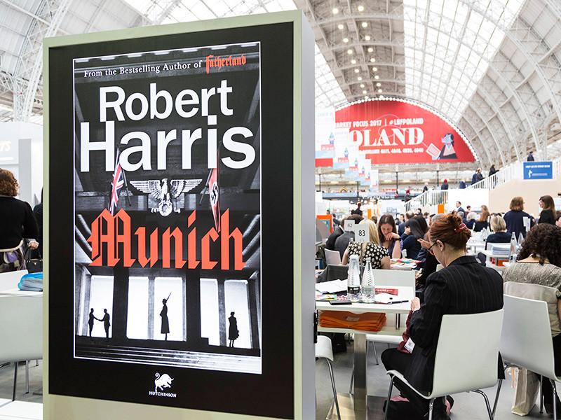 """BBC адаптирует для телевидения шпионский триллер """"Мюнхен"""" о событиях начала Второй мировой войны"""