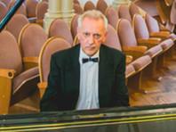 """Солист иркутской филармонии умер на концерте во время исполнения джазовой фантазии """"Это все Россия"""""""