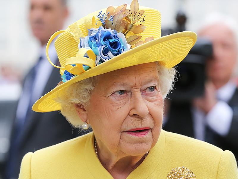 """Елизавета II не разрешила снимать """"Звездные войны"""" на своем газоне"""