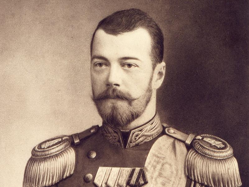 В Крыму залили черной краской портрет Николая II на асфальте - чтобы не оскорблять чувства верующих