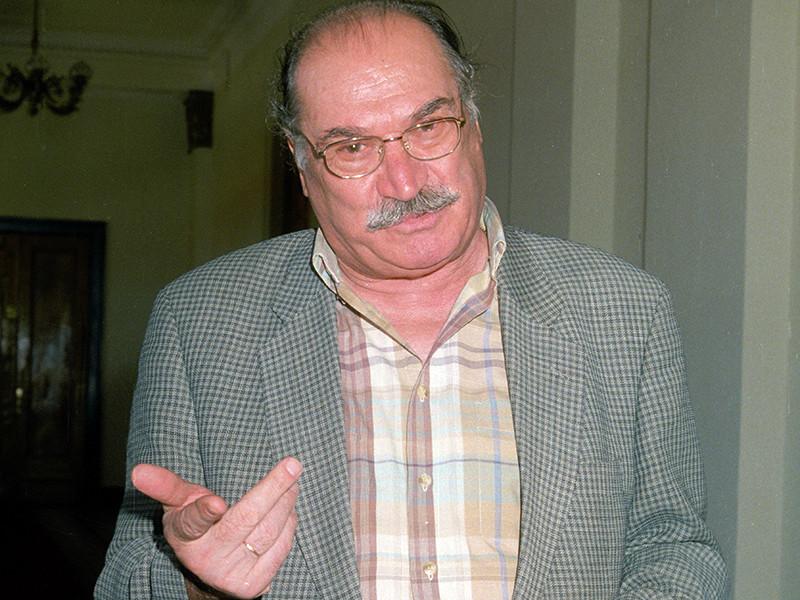 Известный грузинский поэт и общественный деятель Джансуг Чарквиани скончался в понедельник в Тбилиси на 87-м году жизни