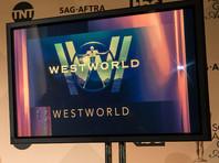 """Съемки второго сезона """"Мира Дикого Запада"""" приостановили из-за """"чрезвычайной медицинской ситуации"""""""