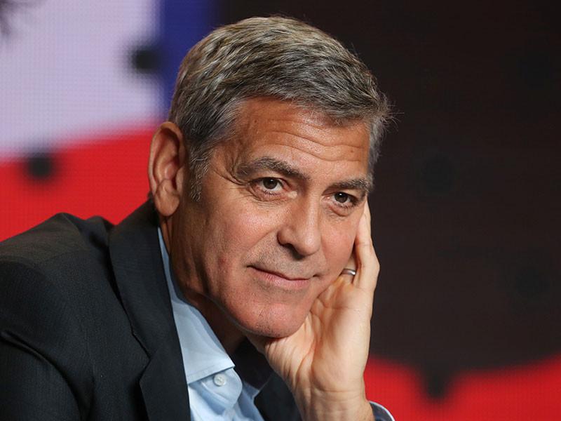 """Джордж Клуни стал режиссером сериала """"Уловка 22"""" по одноименному роману Жэозефа Хеллера"""