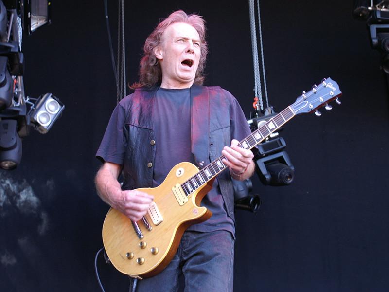 Бывший гитарист легендарной британской рок-группы Motorhead Эдди Кларк умер на 68-м году жизни в среду, 10 января