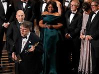 """Лучшим фильмом на церемонии вручения премии """"Оскар"""" объявлена сказка """"Форма воды"""" - о том, что любовь может существовать в любой форме"""