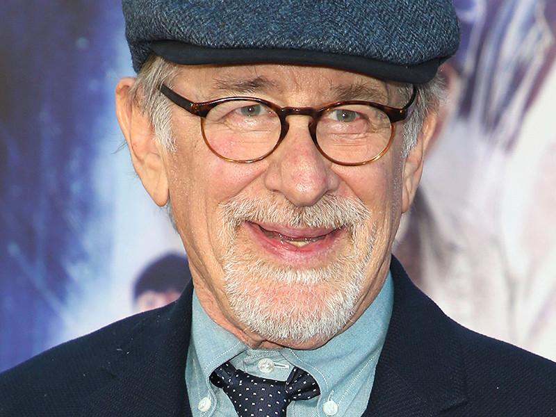 Американский режиссер Стивен Спилберг стал первым кинематографистом в истории, чьи фильмы совокупно собрали более 10 млрд долларов в мировом прокате
