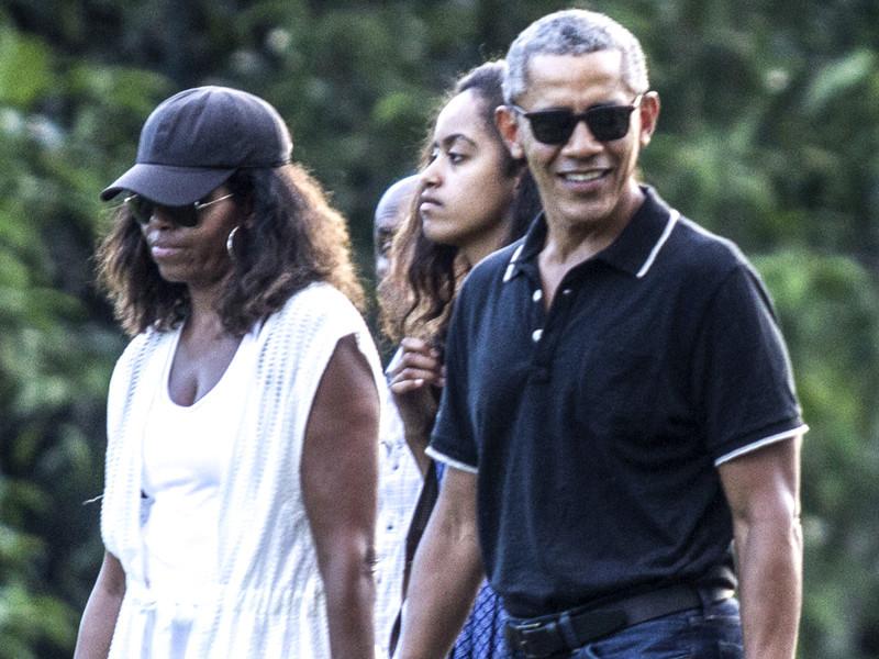 Барак Обама и его супруга Мишель стали производителями видеоконтента: они снимают фильмы, программы, шоу и сериалы для Netflix