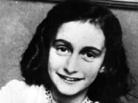 """Все подростки думают об этом: исследователи обнаружили в дневнике 13-летней Анны Франк размышления о сексе и """"грязные шутки"""""""