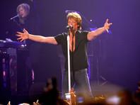 """Группа Bon Jovi и ее лидер Джон Бон Джови названы худшими исполнителями из всех 214 членов """"клуба"""" Зала славы рок-н-ролла"""