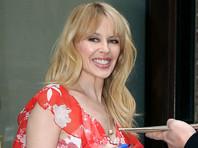 """Певица Кайли Миноуг отметила 50-летний юбилей очередным """"голым фото"""", но на этот раз без обнаженной попки"""