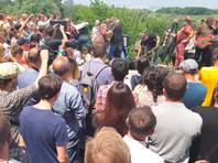 Националист попытался сорвать уличный концерт Бориса Гребенщикова в Киеве