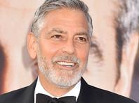 "Джордж Клуни ехал на скутере на съемки сериала ""Уловка-22"" и попал под Mercedes (ФОТО)"