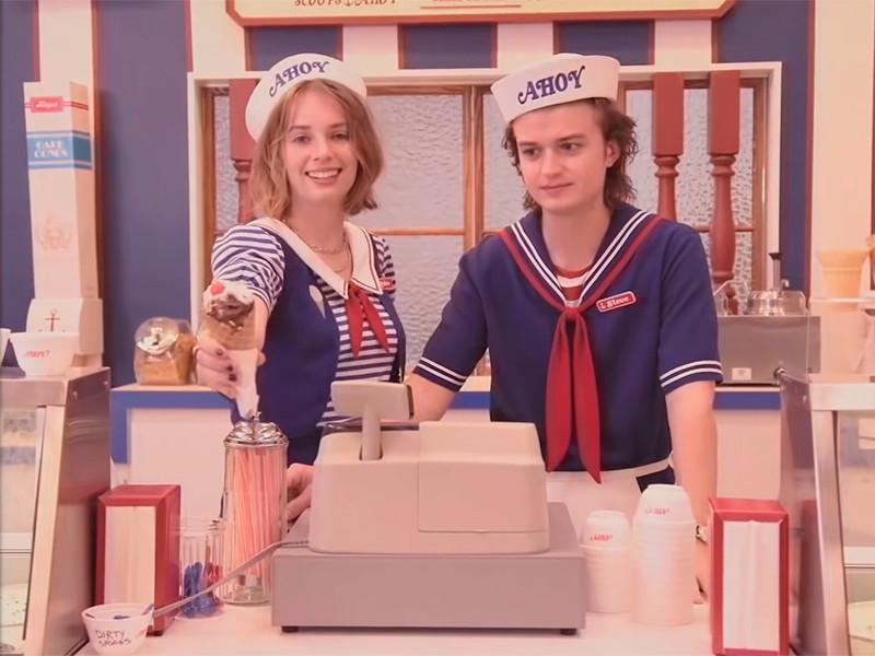"""Netflix опубликовал тизер третьего сезона """"Очень странных дел"""" с дебютом в этом шоу 20-летней дочери Умы Турман"""