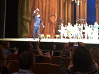 """В Мариинском театре на балете """"Спящая красавица"""" объявили о победе России над Испанией в ЧМ - крики, овации и флаги (ВИДЕО)"""