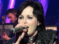 Вскрытие показало, что вокалистка The Cranberries ирландская певица Долорес О'Риордан пьяная утонула в ванне