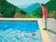 """Картина английского художника, графика и фотографа Дэвида Хокни """"Портрет художника (Бассейн с двумя фигурами)"""" была продана с торгов аукционного дома Christie's за 90,3 миллиона долларов, это рекордная цена для работы ныне живущего мастера"""