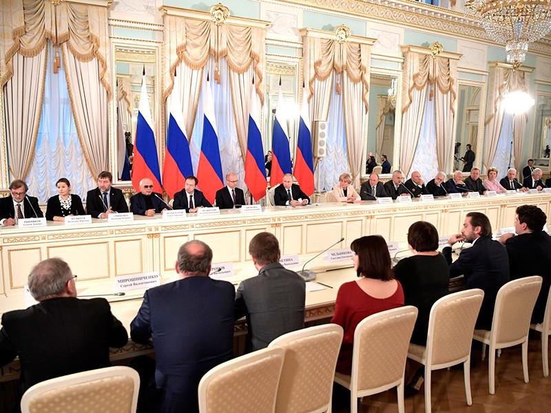Тема отмены концертов популярных в интернете исполнителей была поднята на заседании обновленного Совета по культуре и искусству, которое состоялось в Санкт-Петербурге в субботу