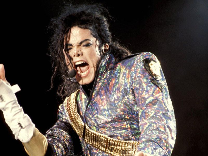 Семья Майкла Джексона подала в суд на телеканал HBO, требуя 100 млн долларов за показ скандального фильма