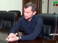 Чеченский министр культуры Хож-Бауди Дааев отчитал нескольких непрофессиональных певцов и певиц, которые выкладывают в интернете песни в собственном исполнении без согласования репертуара с властями