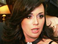 У впавшей в кому актрисы Заворотнюк развилась пневмония из-за аппарата ИВЛ. Она парализована. Медики прекратили терапию из-за угрозы жизни